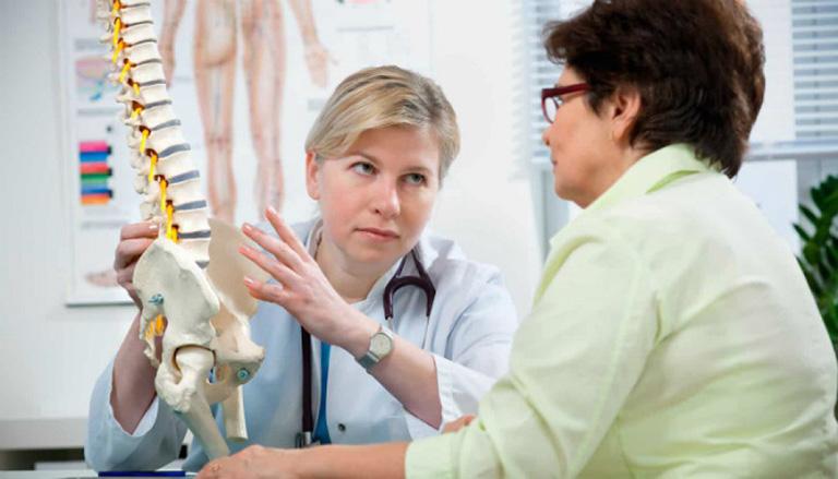 Cần phải đi khám sức khỏe thường xuyên để phát hiện và điều trị bệnh sớm