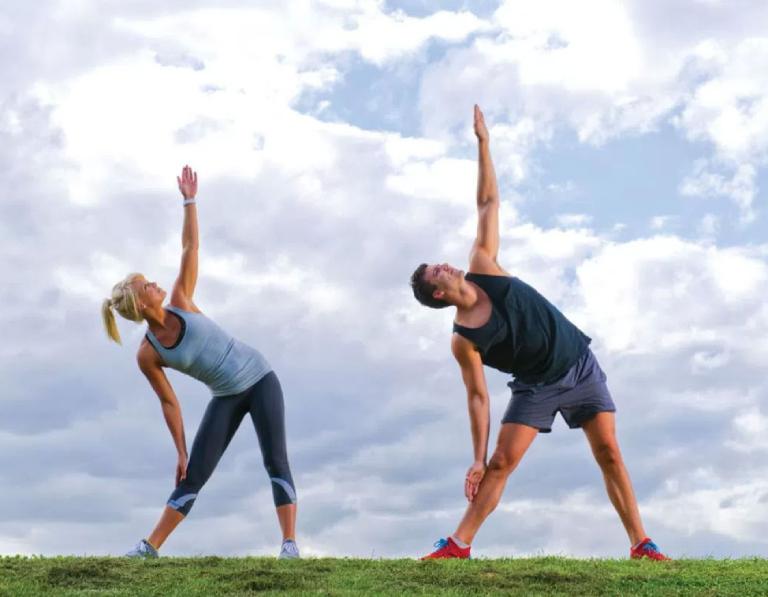 Hãy có lối sống lành mạnh, tập luyện thể dục thường xuyên, không lao động quá sức, ăn uống khoa học,... để phòng ngừa bệnh suy thận.