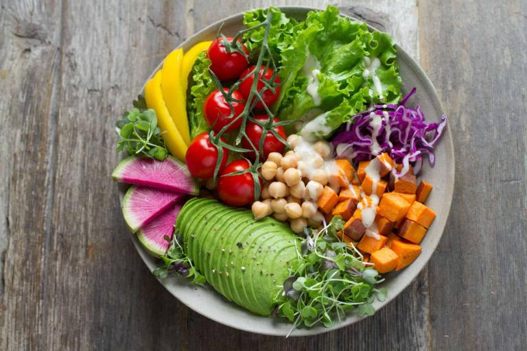 Một chế độ dinh dưỡng phù hợp sẽ giúp bạn kiểm soát được bệnh suy thận không trở nên nặng hơn.