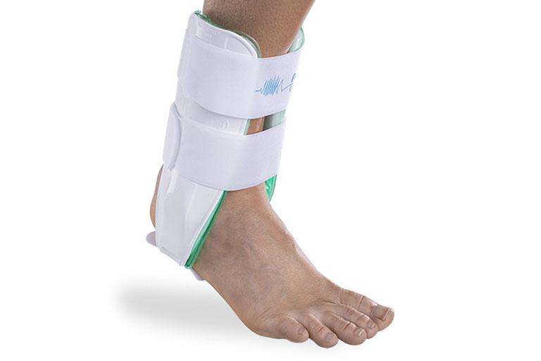 triệu chứng thoái hóa khớp cổ chân