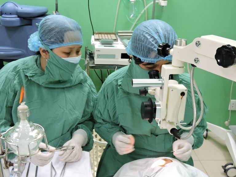 Thời gian làm việc tại bệnh viện Mắt Hà Đông