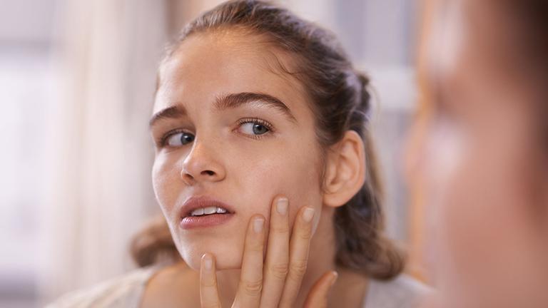 Sử dụng không đúng cách, thuốc Eryfluid có thể gây bội nhiễm cho da, khiến bệnh nặng thêm