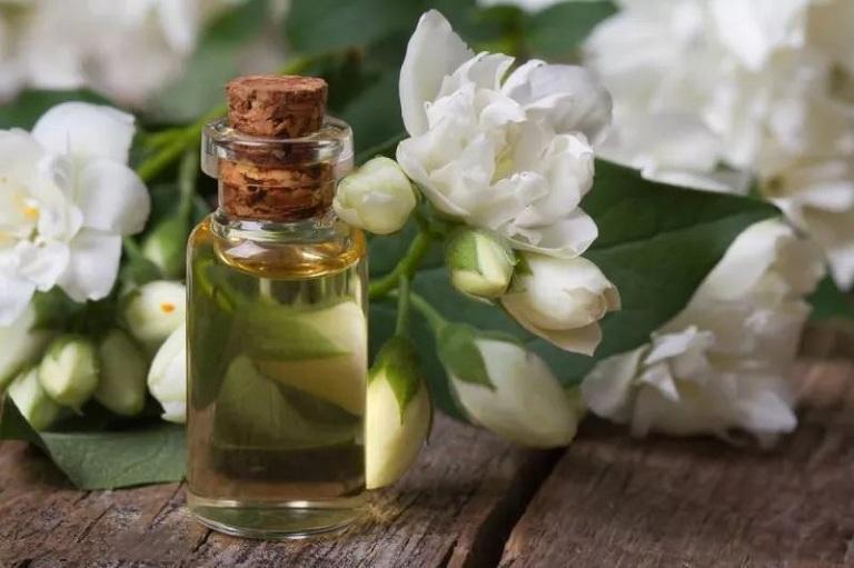 Tinh dầu hoa nhài giúp giảm căng thẳng