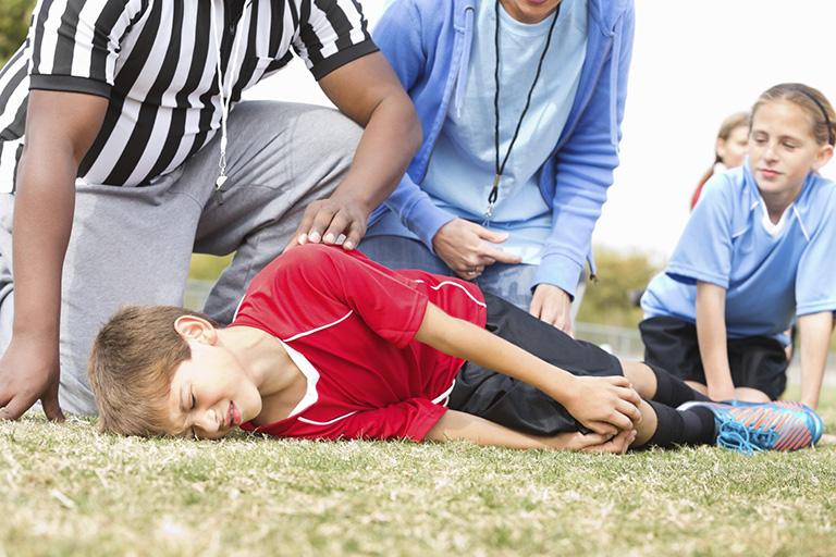 Trẻ em bị đau đầu gối