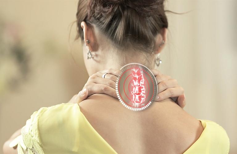 Tự xoa bóp giúp làm giảm đau do chứng vẹo cổ khi ngủ dậy