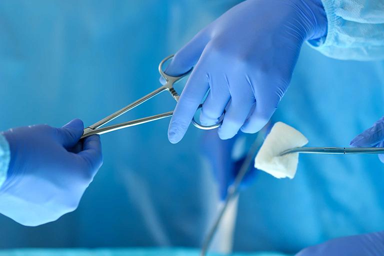Điều trị vôi hóa dây chằng bằng phương pháp phẫu thuật