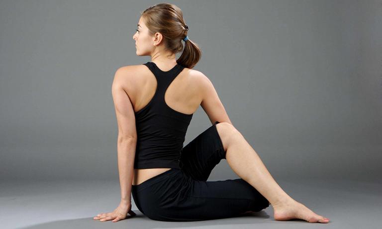 chữa thoái hóa đốt sống cổ bằng yoga