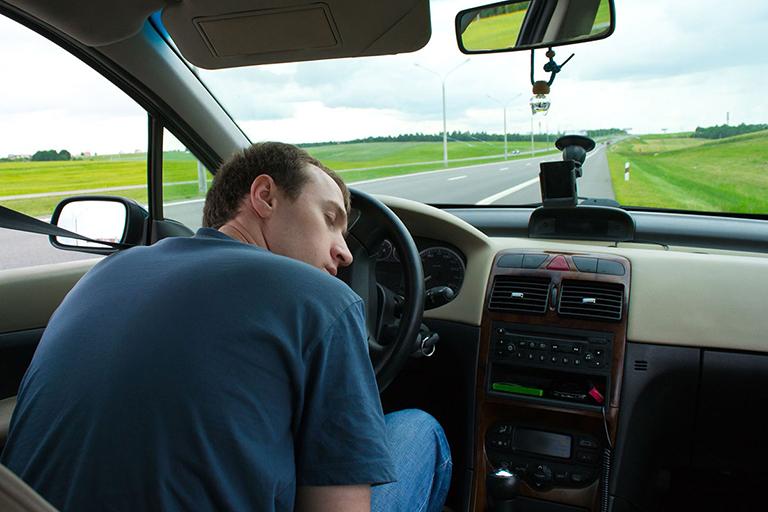 Không nên lái xe khi sử dụng thuốcBivolcard