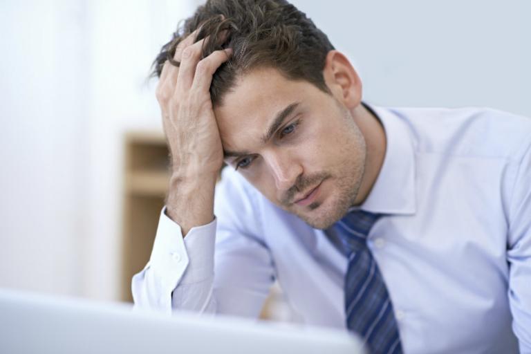 Căng thẳng, stress là một trong những nguyên nhân gây ra bệnh đau thượng vị ợ hơi.