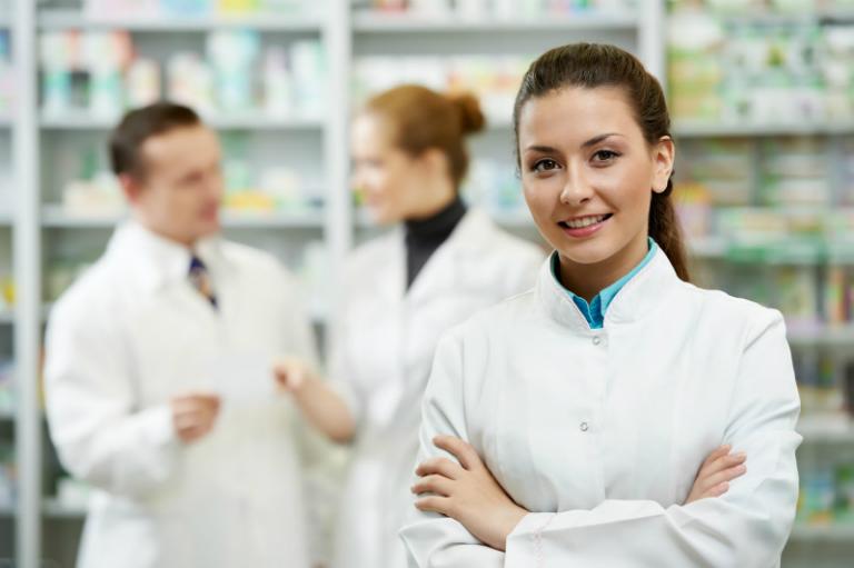 Phòng khám Đa khoa Đức Minh có thành lập thêm nhà thuốc nội bộ, sẵn sàng cung cấp thuốc cho bệnh nhân.
