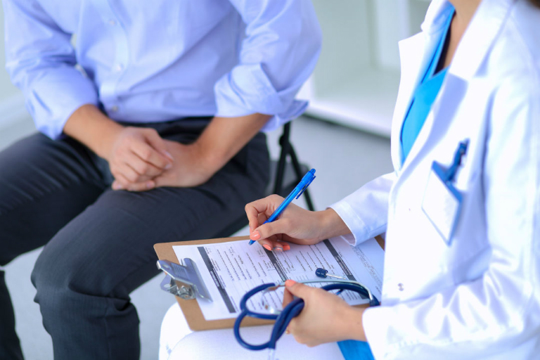 Đội ngũ bác sĩ, chuyên viên y tế của phòng khám Đa khoa Lê Minh Xuân đều có trình độ chuyên môn cao, có nhiều năm kinh nghiệm trong việc khám và điều trị bệnh.