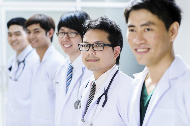 Các bác sĩ của phòng khám Đa khoa Phước Sơn có nhiều năm kinh nghiệm trong công tác khám và điều trị bệnh.