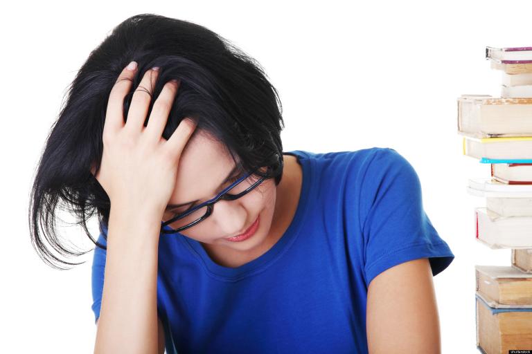 Thuốc điều trị gout Febuday có thể sẽ gây ra một số tác dụng ngoài ý muốn như chóng mặt, buồn nôn,...