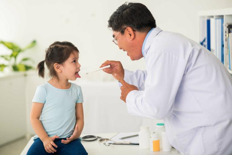 Thuốc Halixol điều trị đờm, dịch nhầy có thể dùng ở trẻ em và người lớn.