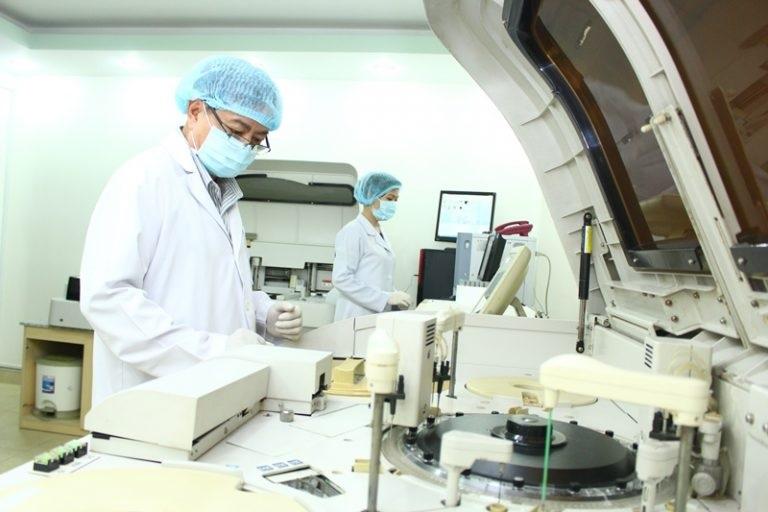 Phòng xét nghiệm được trang bị công nghệ hiện đại
