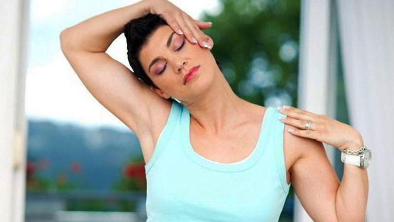 cách bấm huyệt trị thoái hóa cột sống