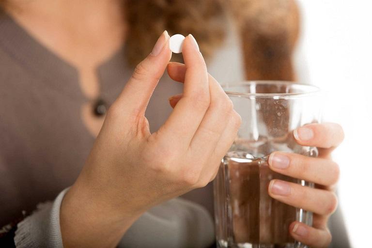 Thuốc Nebilet được uống trực tiếp bằng đường miệng với nước