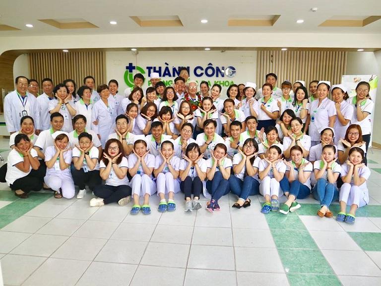 Đội ngũ bác sĩ và nhân viên tại Phòng khám Đa khoa Thành Công - Quận Tân Phú