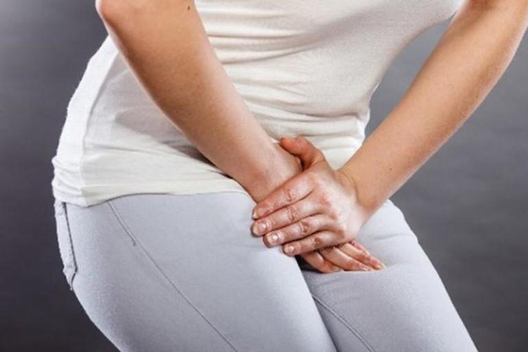 Phụ nữ mắc chứng viêm nhiễm vùng kín do nấm Candida sử dụng thuốc Erysac điều trị bệnh hiệu quả