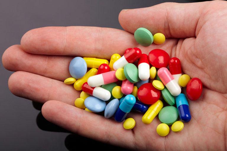 thuốc đặt chứa estrogen