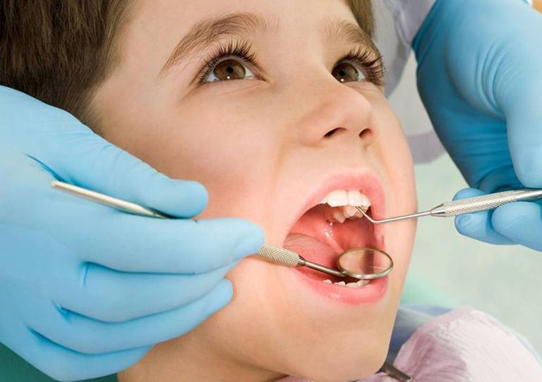 Dịch vụ khám chữa bệnh tại Phòng khám chuyên khoa Răng Hàm Mặt - Bác sĩ Hoàng Văn Nhuận