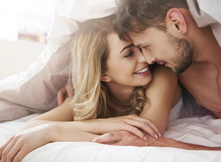 Thuốc Poliva Eva giúp phụ nữ yếu sinh lý đánh thức ham muốn yêu, điều hòa kinh nguyệt, cải thiện tình trạng khô âm đạo,...