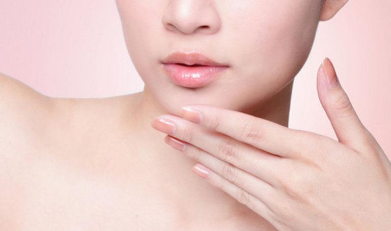 kem trị chàm môi