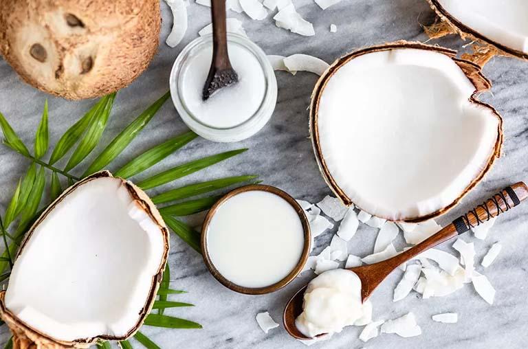 trị chàm sữa bằng dầu dừa