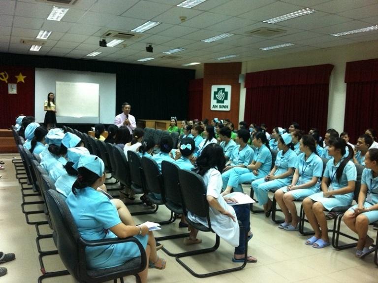 Một buổi huấn luyện nhân viên tại Bệnh viện An Sinh