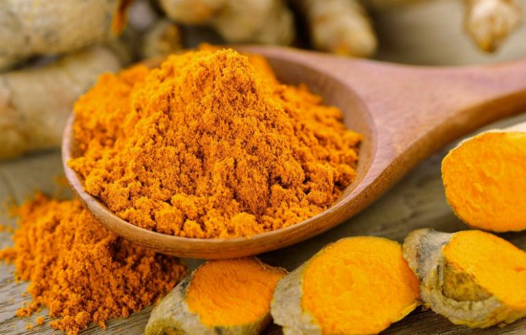 Nghệ vàng được chế biến thành thuốc, thành gia vị, chất tạo màu cho thức ăn,...