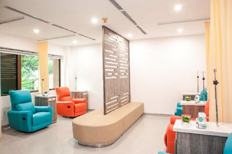 Phòng đón tiếp bệnh nhân rộng rãi, thoải mái và sạch sẽ