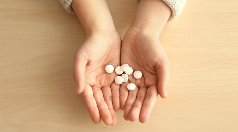Sử dụng thuốc uống Pomatat không đúng cách có thể gây ra nhiều tác dụng phụ