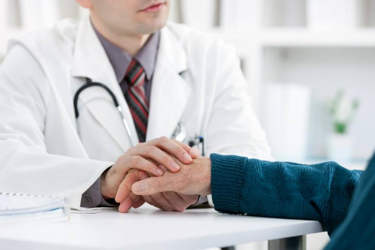 Hãy khai báo với bác sĩ nếu thấy có dấu hiệu bất thường trong quá trình điều trị bằng thuốc Nivalin.