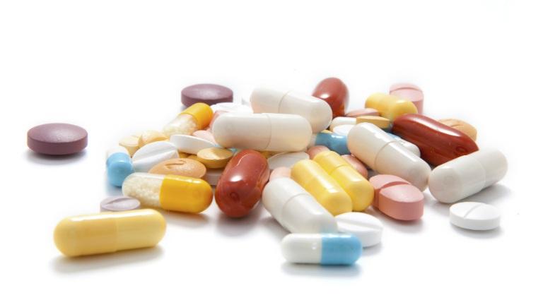 Thuốc Rupafin có tương tác với một số loại thuốc khác, người dùng nên cẩn trọng khi phối hợp dùng chung.