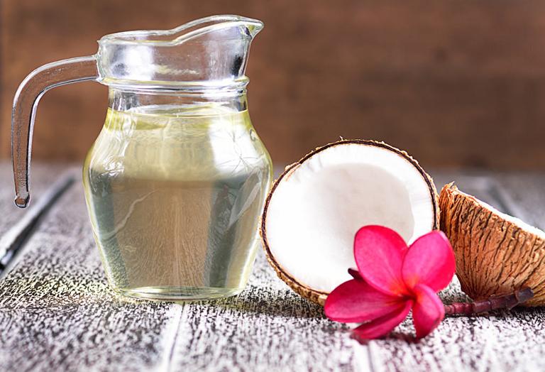 Bài thuốc uống dầu dừa trị chàm khô