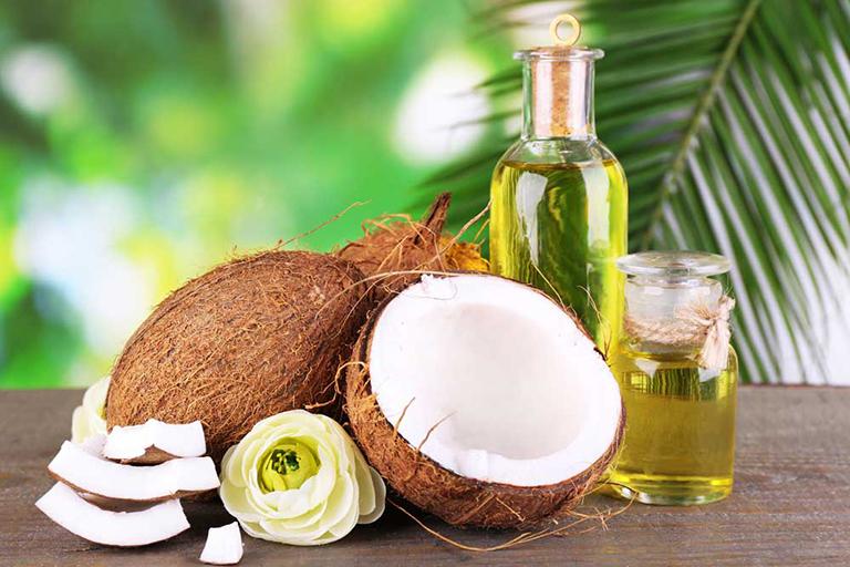 Bài thuốc điều trị chàm môi bằng dầu dừa