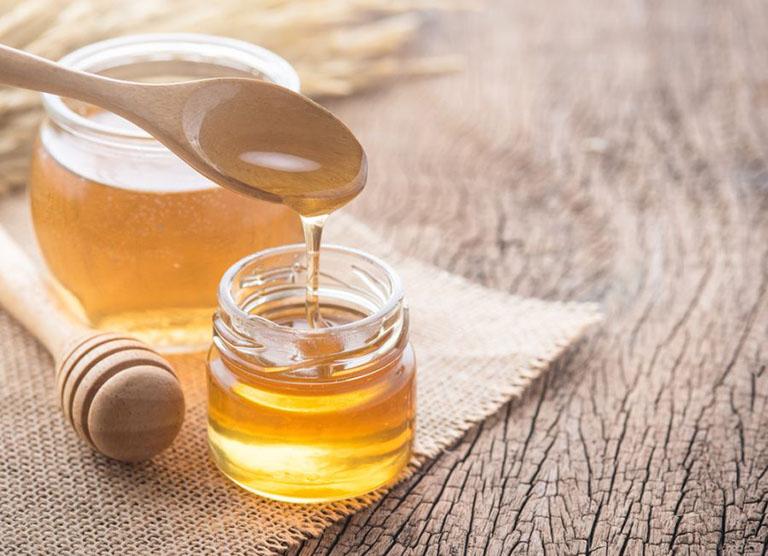 trị viêm da cơ địa bằng mật ong