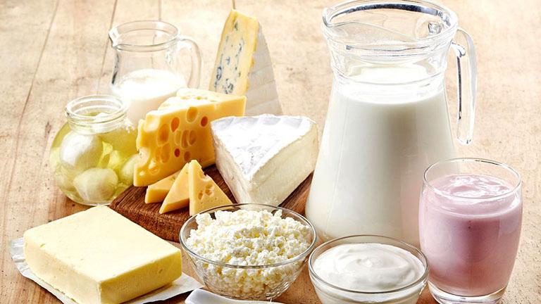 Không nên uống sữa và sử dụng các chế phẩm từ sữa khi bị viêm da dị ứng
