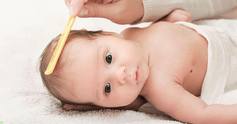 dầu gội trị viêm da tiết bã trẻ sơ sinh