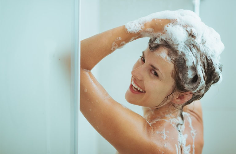 Bị zona thần kinh có được tắm không