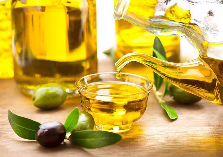 Ngoài đậu bắp, dầu oliu cũng mang lại tác dụng tốt trong việc khắc phục các triệu chứng bệnh trĩ