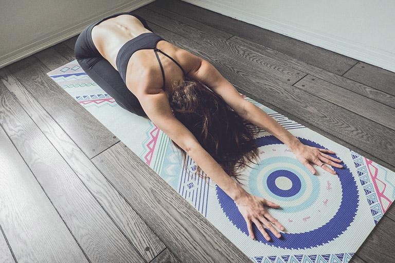 các tư thế yoga chữa bệnh trĩ