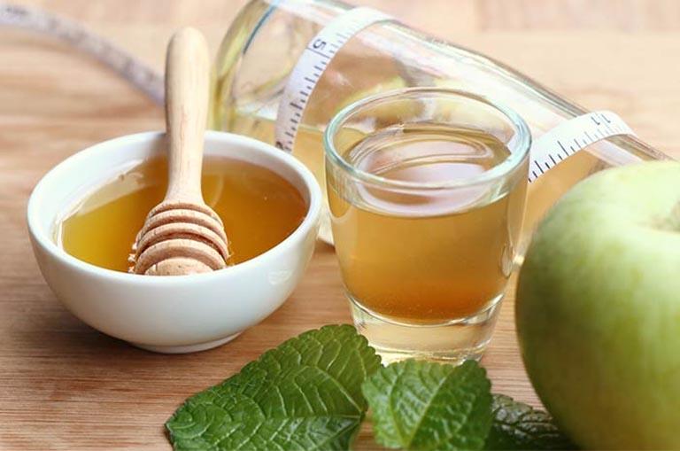 tác dụng giấm táo trị viêm họng