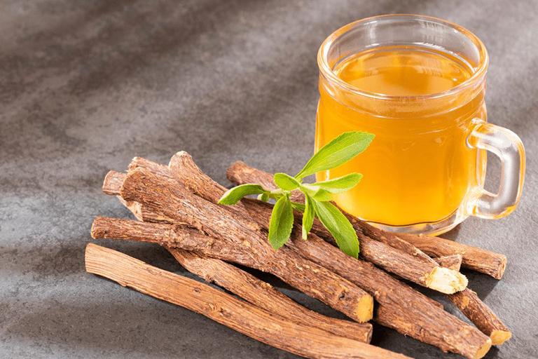Bài thuốc điều trị viêm họng từ rễ cam thảo theo dân gian