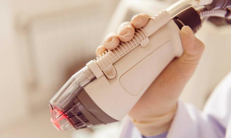 Điều trị rạn da bằng công nghệ Fractional Laser đang là xu hướng lựa chọn trên toàn thế giới.