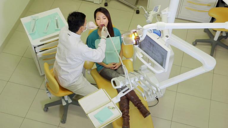 Nha khoa Hồng Phúc Đà Nẵng có cơ sở vật chất hiện đại, các thiết bị y khoa chất lượng cao.