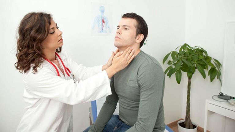 Cần đi thăm khám để được chẩn đoán một cách chính xác về tình trạng bệnh lý
