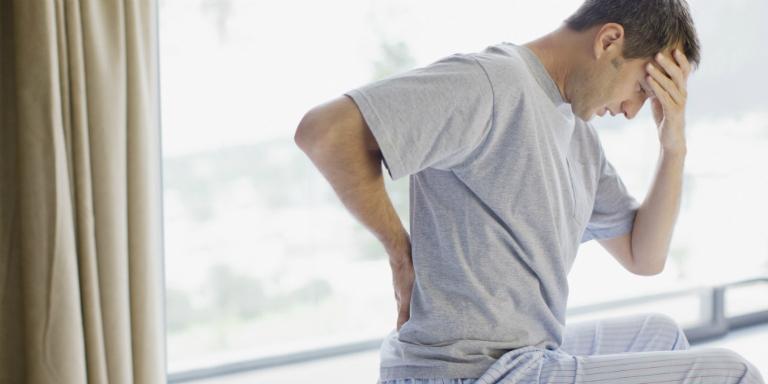 Thận yếu còn gây ra những biến chứng nguy hại đối với nam giới như: mệt mỏi, giảm ham muốn, nguy cơ vô sinh,...