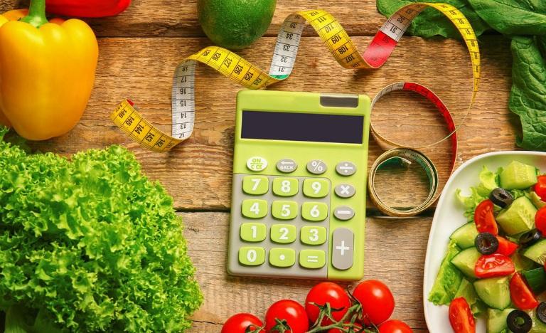 Người bệnh thoát vị đĩa đệm cần kết hợp việc dùng thuốc với một chế độ ăn uống dinh dưỡng hợp lý để bệnh được cải thiện.