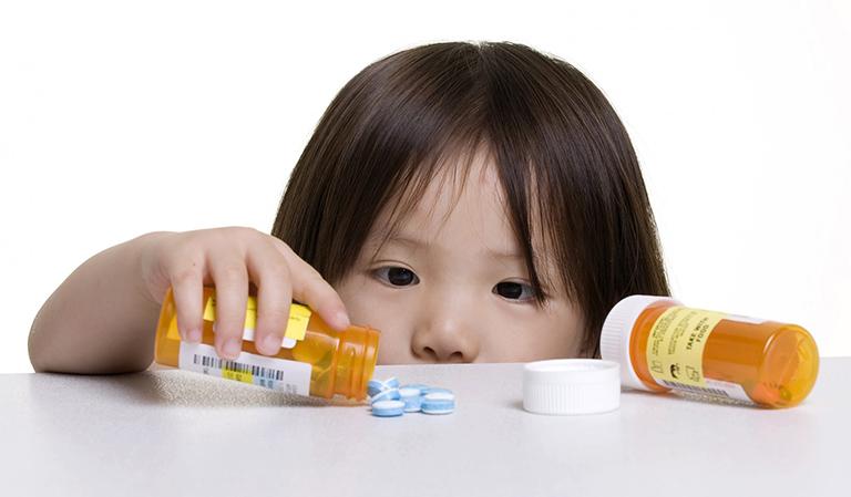 tràn dịch khớp háng ở trẻ em